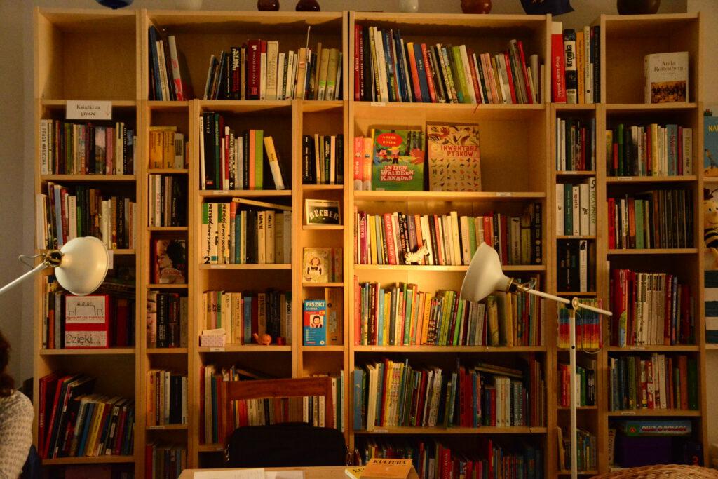Unsere Hausbibliothek heißt Euch willkommen!